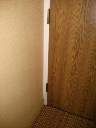 Courtyard Greenbelt: Door frame