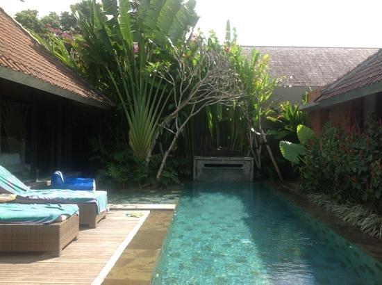 Villa Komea : pool of tranquility