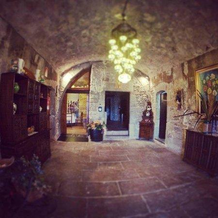Hotel Masia El Xaloc: Hall Inferior