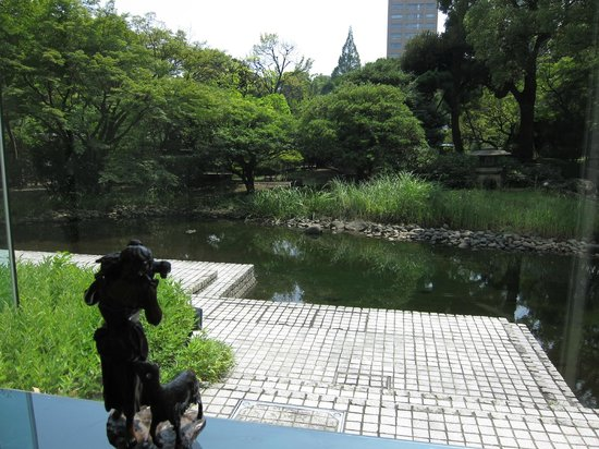 RIHGA Royal Hotel Tokyo: A garden in the hotel's backyard. I believe it is part of the Waseda University campus.