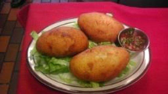 Delicia's Latin American Cuisine : Papas Rellenas