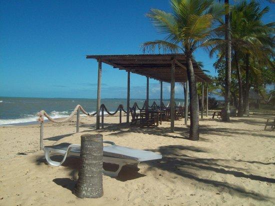 Pousada Fazenda Amendoeira : Área externa do restaurante do hotal na praia