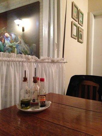 Bocatta: mesa no salão principal