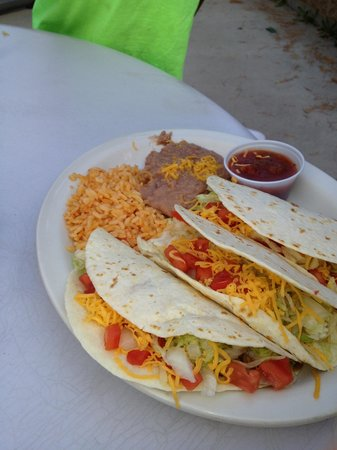Grizzly Claw Restaurant : Tacos