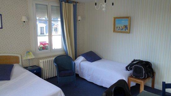 Hotel de La Cote Fleurie : chambre pour 3 personnes
