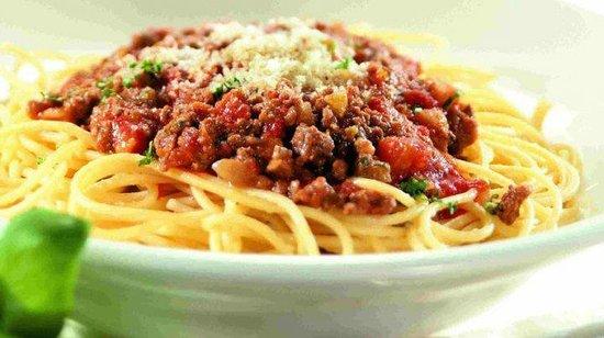 Italien Garden Restaurant: Ein teller spagetti fur 5 $