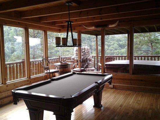 Brother's Cove Log Cabin Rentals: Deja View # 47