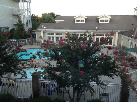 Wyndham Nashville: View from our balcony on 2nd floor