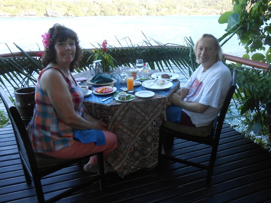 Namale the Fiji Islands Resort & Spa: DINNER BY THE KORO SEA