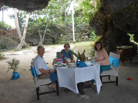 Namale the Fiji Islands Resort & Spa: LUNCH IN THE CAVE