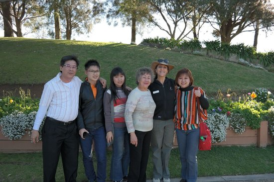 Real Sydney Tours: huntervalley