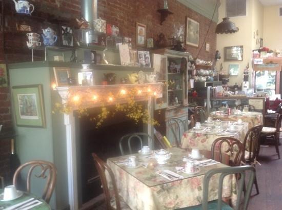 Kathleen's Tea Room: working fireplace