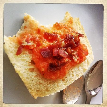 Hotel Viento10: Delicious Spanish Breakfast