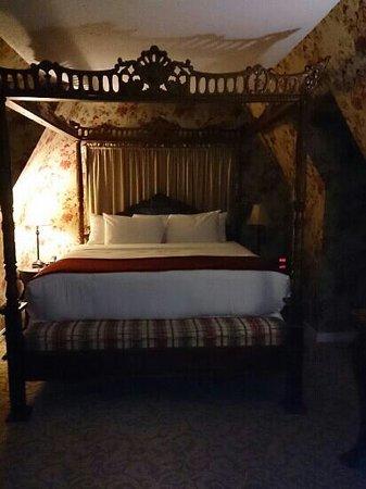 Seven Gables Inn : suite badroom