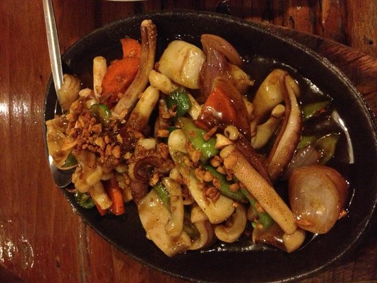 Santino's Grill: Spicy yummy sizzling squid!