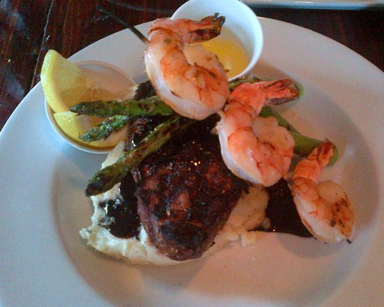 Corrales, NM: Filet mignon with blackberry balsamic reduction, asparagus, mashed potatoes and shrimp