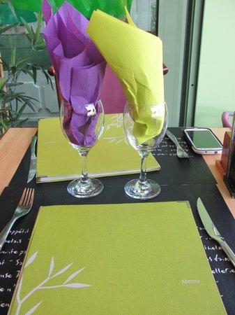 La Moule Qui Chante : The table