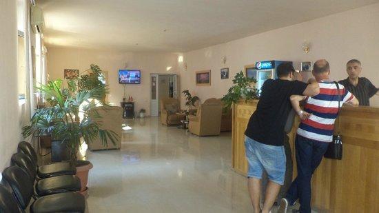 Hotel Nairi: Lobby and the Reception Desk