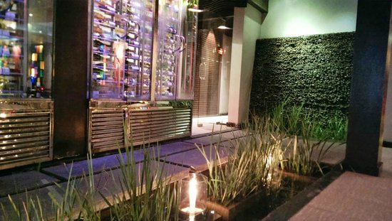 Red Snapper Restaurant & Bar: Incredible decor & ambiance