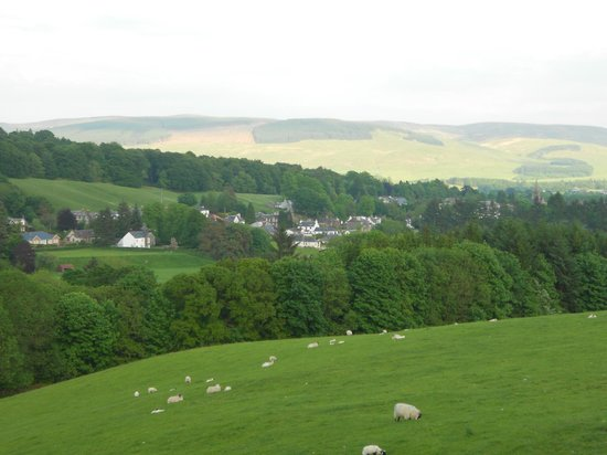 BEST WESTERN Moffat House Hotel: Moffat from the hills above the town