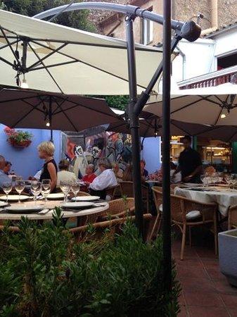 Pati Blau: le restaurant
