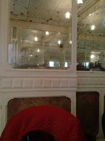 Caffe degli Specchi: Sala al piano terra