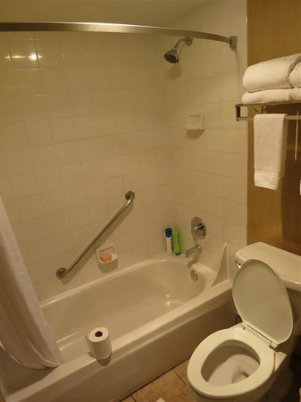 Comfort Inn & Suites Vancouver : very low shower pressure