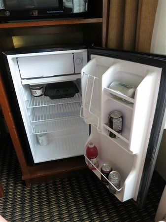 Comfort Inn & Suites: fridge