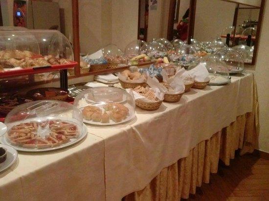 Hotel Brignole : Buffet dei prodotti da forno
