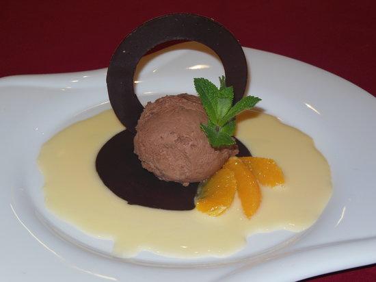 Quality Hotel du Nord Dijon Centre : Sphère au chocolat