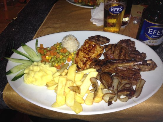 Cousins Steakhouse : Mixed grill