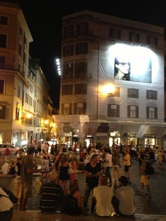 The View At The Spanish Steps - Small Luxury Hotel: the building covered with scaffold and advertisement !!