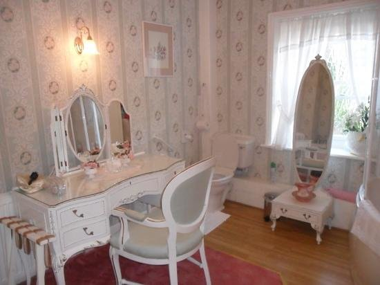 Easter Cottage: lovely spacious en suite