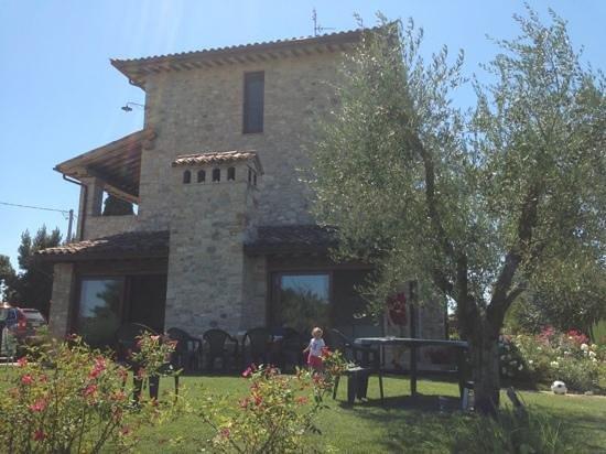 Agriturismo La Torraccia : Il casale