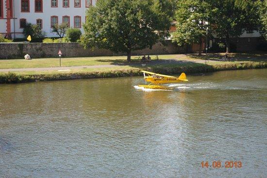 Moselhotel Leyendecker: Seaplane using the river