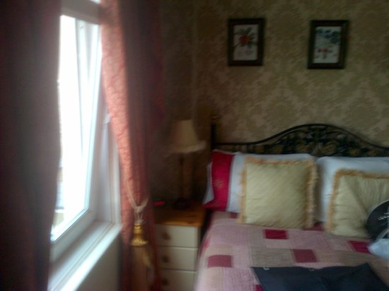 Airedale Guest House: lovely comfy bed