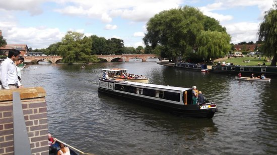 Stratford-upon-Avon Canal: A lovely day on the river