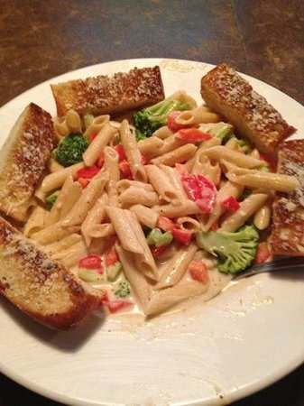 Brewery Bay Food Company: Roasted Red Pepper Alfredo