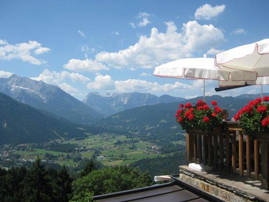 Gasthaus Café Graflhöhe Windbeutelbaron: Ausblick von der Terrasse