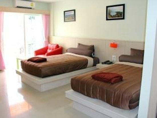 Patong Eyes: Superior Room Twin Single Bed
