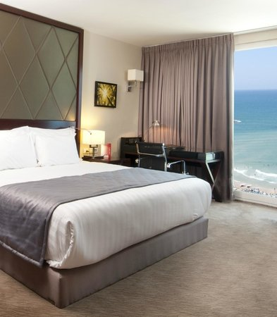 Crowne Plaza Tel Aviv Beach: Executive Room