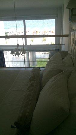 Villa Mediterrane Hotel: the bedroom,look the view...