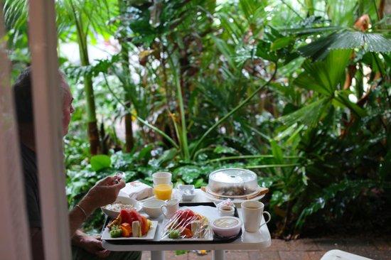 Castaways Resort & Spa Mission Beach: Room service