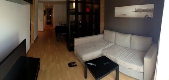 SitgesGO Apartments: Salón y comedor