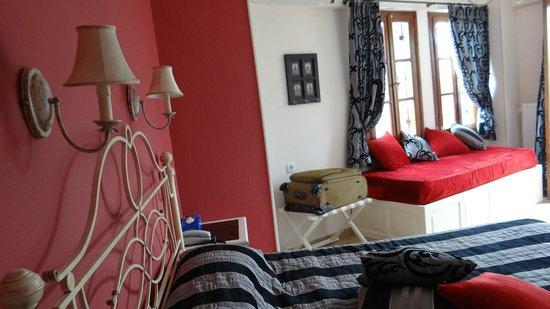 Hotel Dryades: Interior of our suite