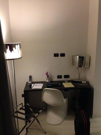 Scrivania Per Computer Design.Scrivania Picture Of Amati Design Hotel Zola Predosa Tripadvisor