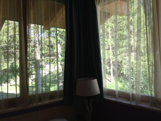 Color Home Suite Apartments: vista dalla camera da letto