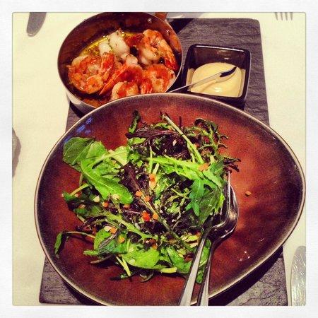 Zeezout : King shrimp with salad