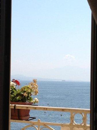 Dimora Dei Baroni B&B : panorama stanza Capri