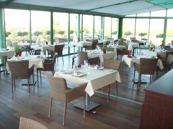Domaine de Saint-Clair : restaurant intérieur (toit amovible)